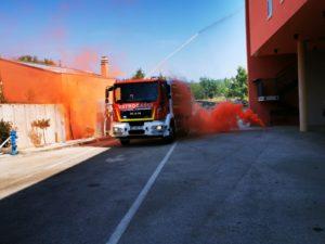 DVD Dugopolje dobilo novu vatrogasnu cisternu